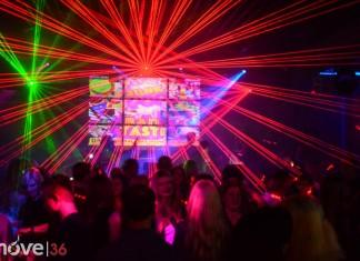 Bad Tast Party Musikpark Fulda Februar 2016 feiernde Personen mit Lasershow