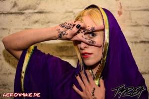 mike-kedmenec-alias-leroymike-fotograf-fulda-indoor-shooting-mit-tabea-zum-thema-anders-sein-07-2016-03-12-14-45-13-300x200
