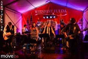 mike-kedmenec-fotograf-fulda-weinfest-2015-in-fulda-mit-soundaholics-01-2015-09-04-23-27-00-300x200